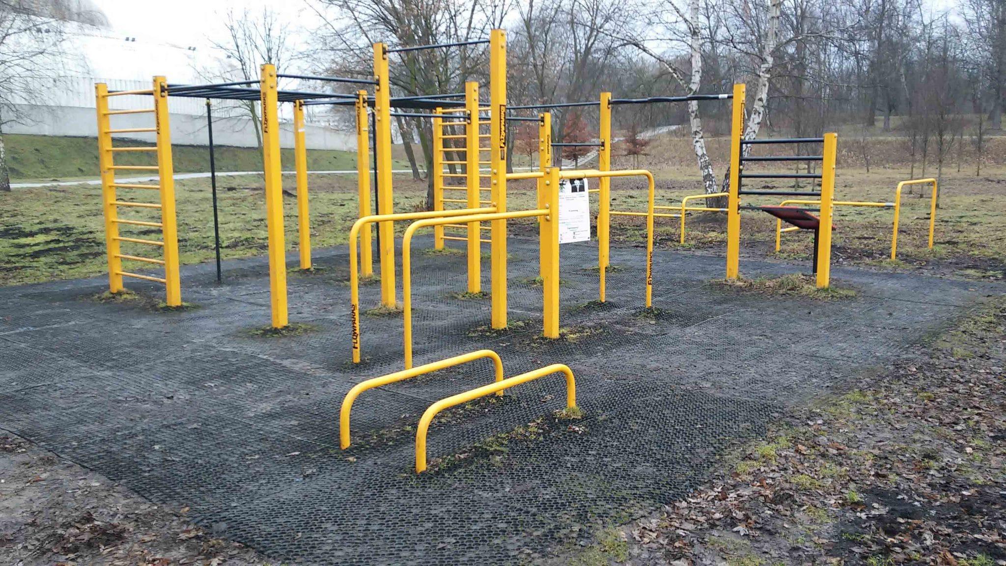 Park Lotników - Street Workout Gym Photo