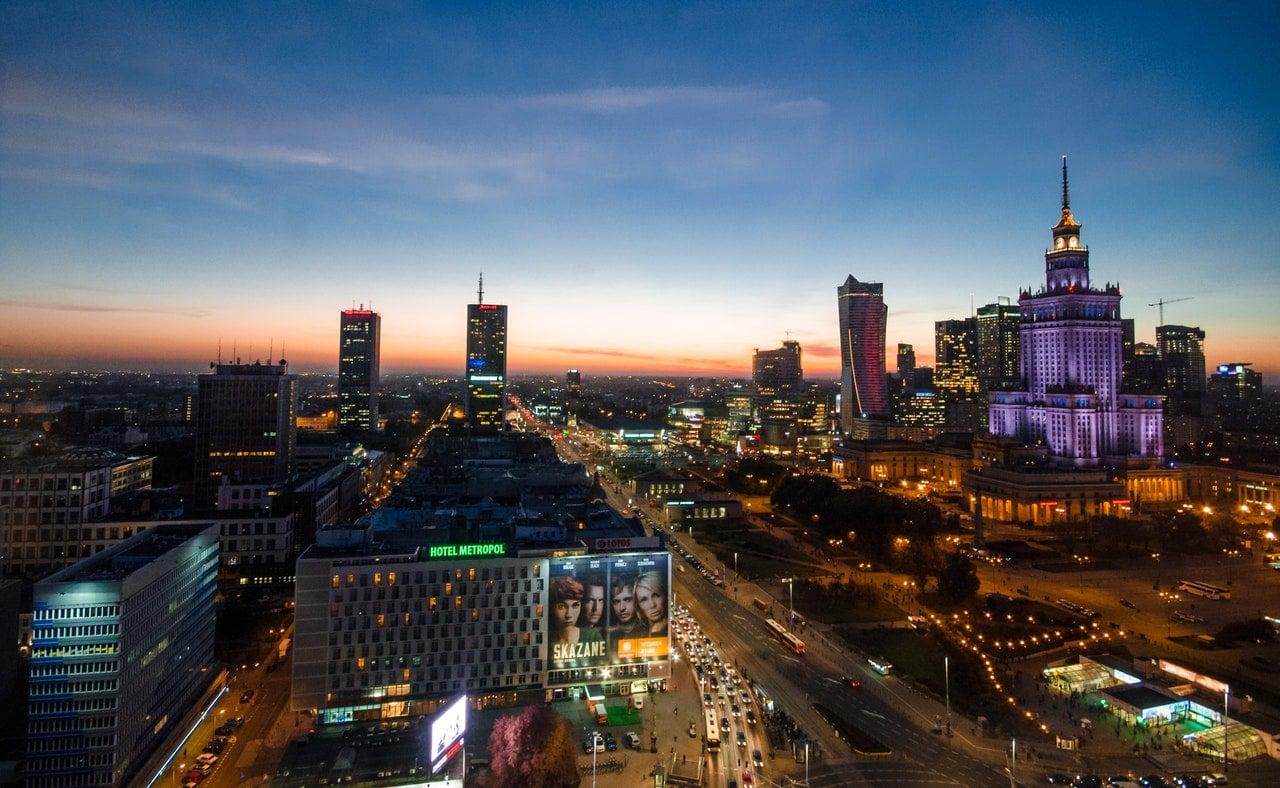 Warszawa - centrum miasta o zachodzie słońca